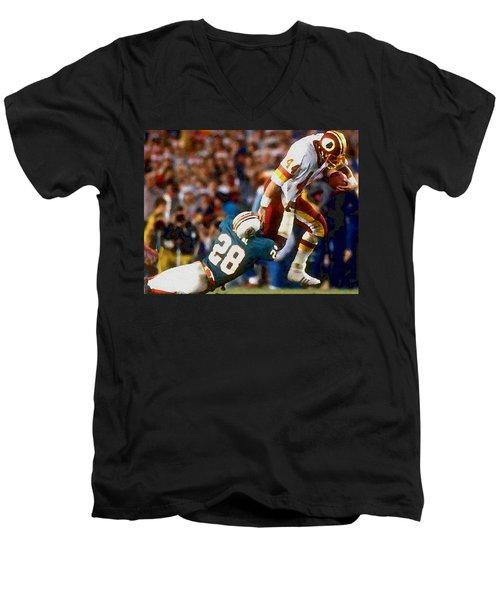 Riggos Run Men's V-Neck T-Shirt