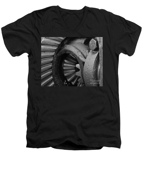 Ring And Pinion Bw Men's V-Neck T-Shirt by Chalet Roome-Rigdon