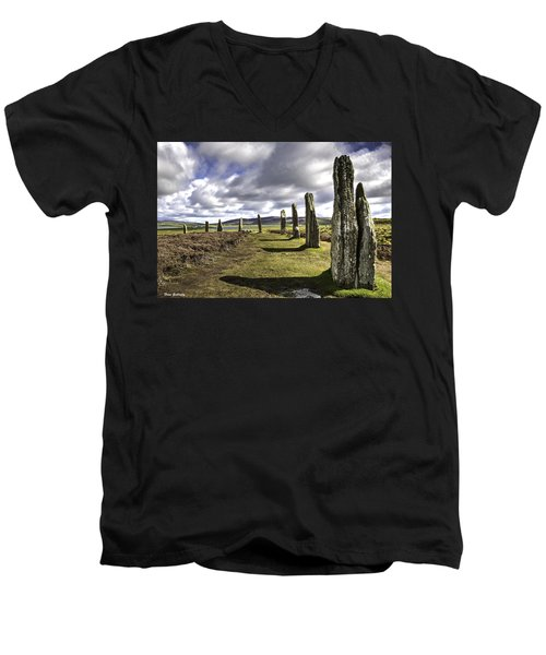 Ring Of Brodgar Men's V-Neck T-Shirt