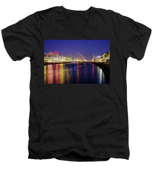 River Liffey In Dublin At Dusk Men's V-Neck T-Shirt