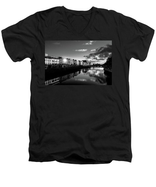 River Liffey Men's V-Neck T-Shirt