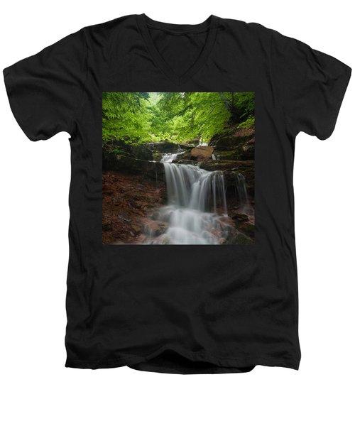 River Rapid Men's V-Neck T-Shirt
