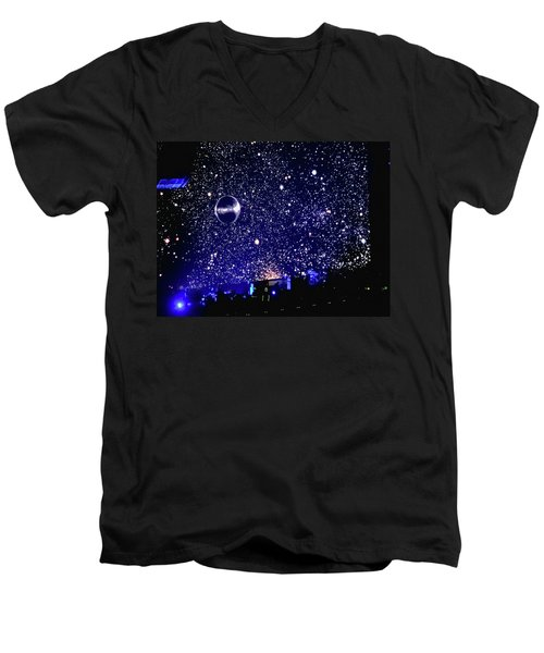 Roger Waters Tour 2017 - When We Were Young  Men's V-Neck T-Shirt
