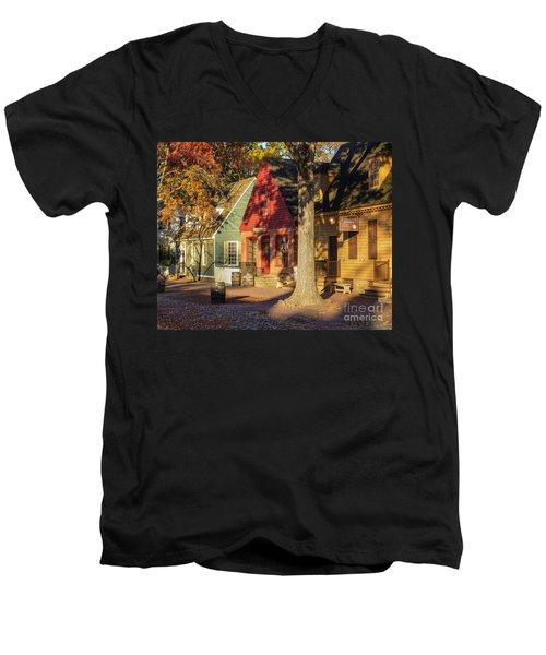 Row Houses Duke Of Gloucester Colonial Williamsburg Men's V-Neck T-Shirt