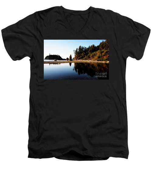 Ruby Beach Reflections Men's V-Neck T-Shirt