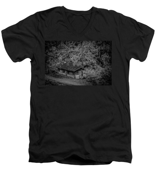 Rustic Log Cabin In Black And White Men's V-Neck T-Shirt by Kelly Hazel