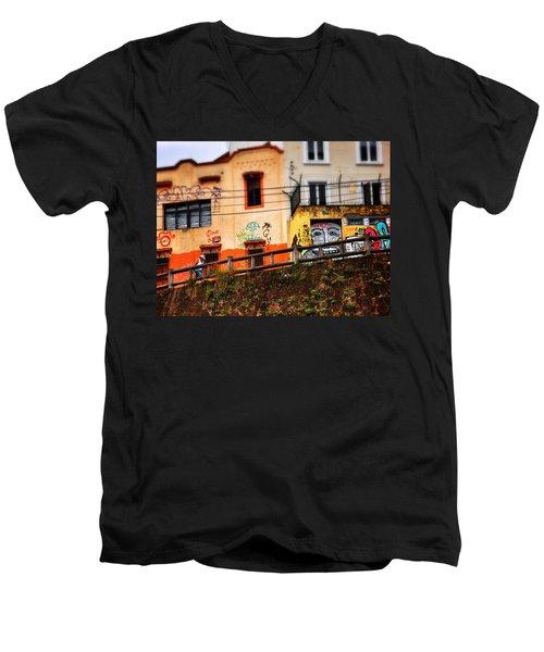 Saks Men's V-Neck T-Shirt