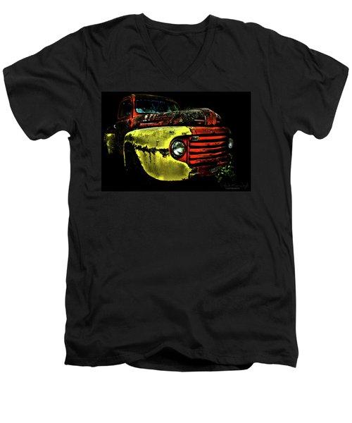 Salsa Chevy Men's V-Neck T-Shirt