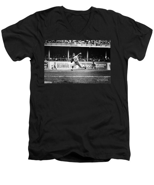 Sandy Koufax (1935- ) Men's V-Neck T-Shirt