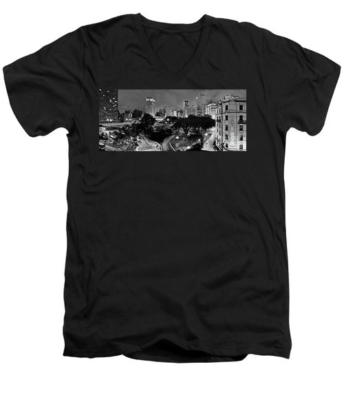 Sao Paulo Downtown At Night In Black And White - Correio Square Men's V-Neck T-Shirt