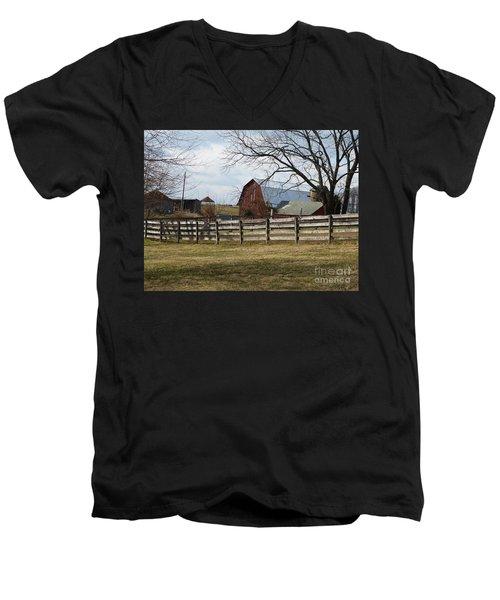 Scene On The Farm Men's V-Neck T-Shirt