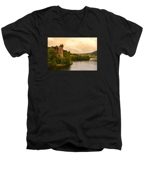 Scottish Castle Men's V-Neck T-Shirt