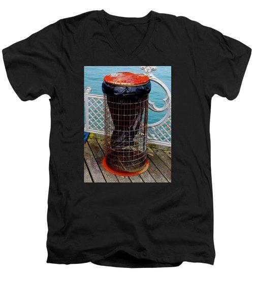 Sealife Men's V-Neck T-Shirt