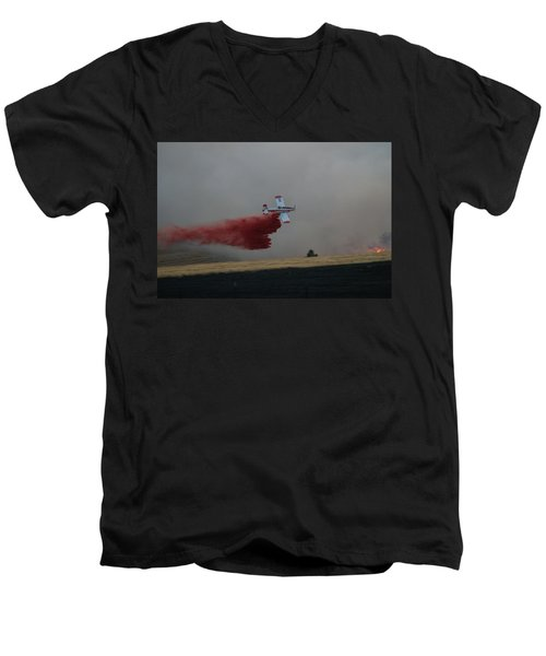 Seat Drops On Indian Canyon Fire Men's V-Neck T-Shirt by Bill Gabbert