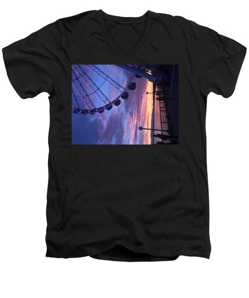 Seattle Ferris Wheel Men's V-Neck T-Shirt
