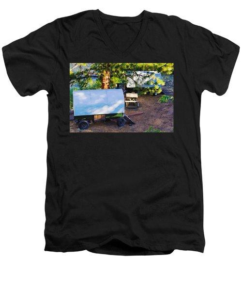 Sheep Wagons On Salmon River, Idaho Men's V-Neck T-Shirt