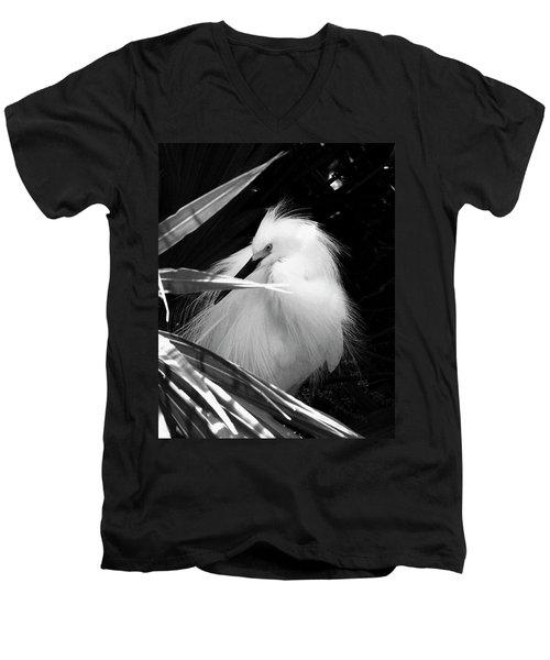 Shy Snowy Egret Men's V-Neck T-Shirt