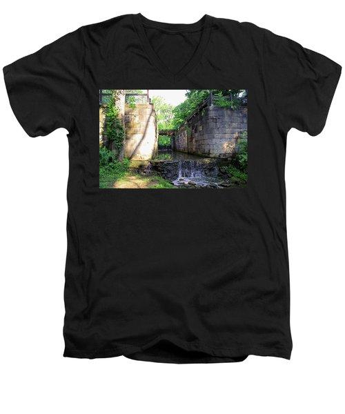 Side Cut Locks IIi Men's V-Neck T-Shirt