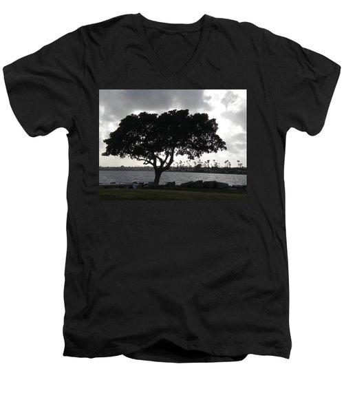 Silhouette Of Tree Men's V-Neck T-Shirt