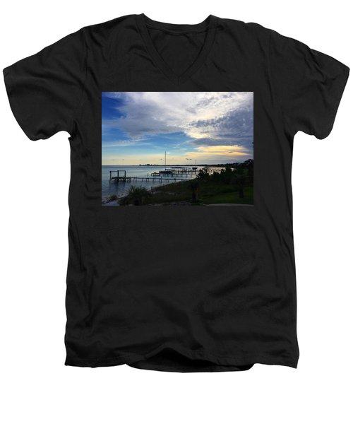 Sittin' On The Dock Of The Bay Men's V-Neck T-Shirt