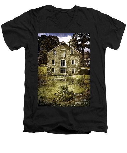 Smith's Store Men's V-Neck T-Shirt