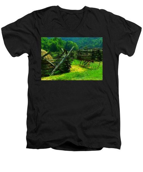 Smoky Mountain Farm 1900s Men's V-Neck T-Shirt