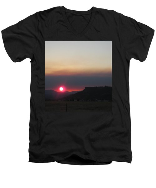 Men's V-Neck T-Shirt featuring the photograph Smoky Sunset Near Table Rock by Marie Neder