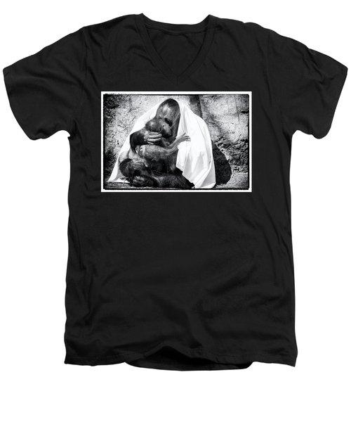 Smooches Men's V-Neck T-Shirt