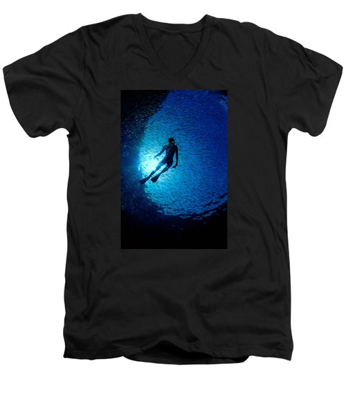 Snorkeler Men's V-Neck T-Shirt