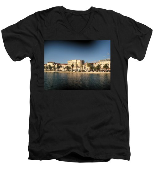 Split- Croatia Men's V-Neck T-Shirt