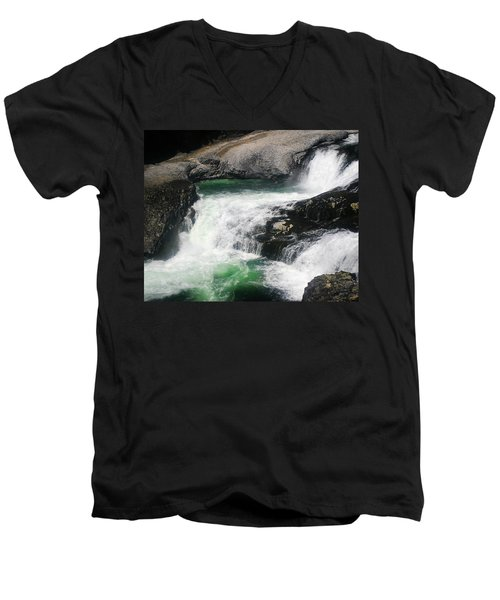 Spokane Water Fall Men's V-Neck T-Shirt