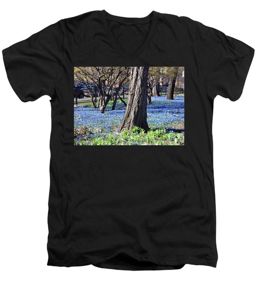Springtime In The City Men's V-Neck T-Shirt