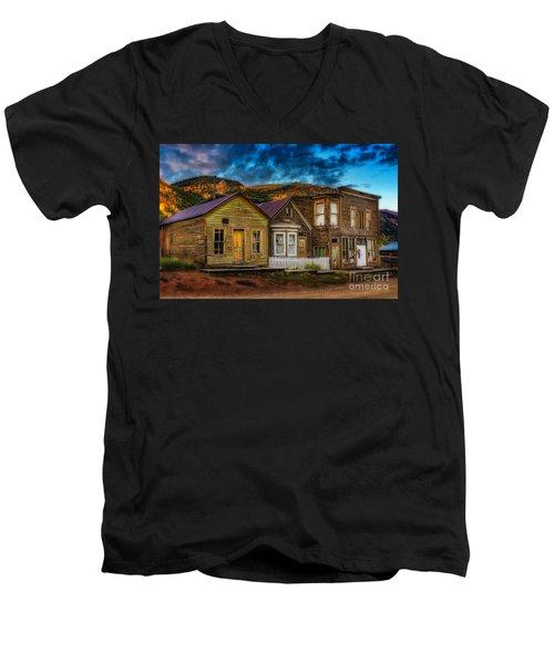St. Elmo Men's V-Neck T-Shirt