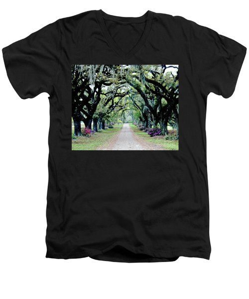 St Francisville Plantation Men's V-Neck T-Shirt by Lizi Beard-Ward