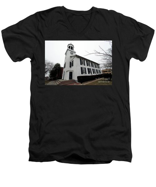 St. Georges Church Episcopal-anglican Men's V-Neck T-Shirt