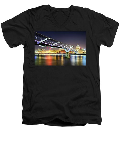 St Paul's Cathedral During Night From The Millennium Bridge Over River Thames, London, United Kingdom. Men's V-Neck T-Shirt