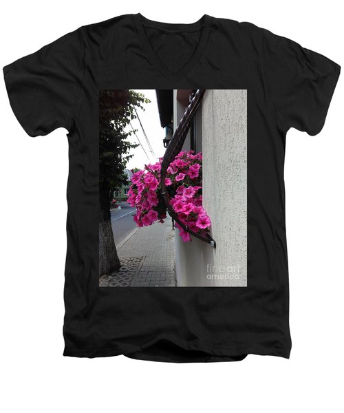 Standing Out Men's V-Neck T-Shirt