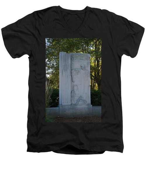Statue Men's V-Neck T-Shirt