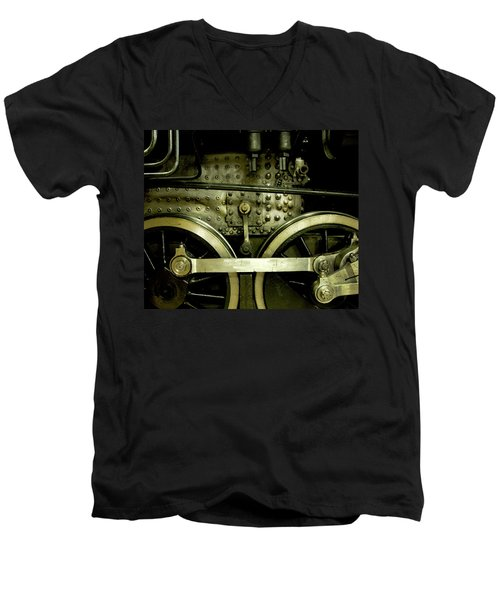 Steam Power I Men's V-Neck T-Shirt