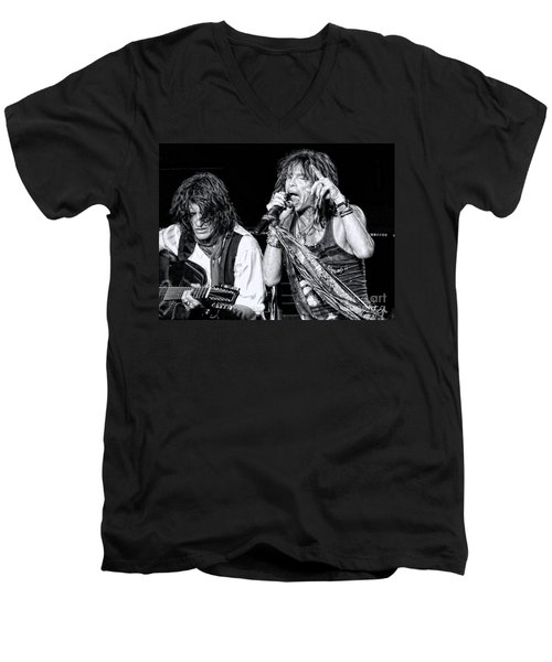Steven Tyler Croons Men's V-Neck T-Shirt