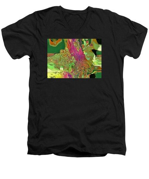 Streaming Saree Men's V-Neck T-Shirt
