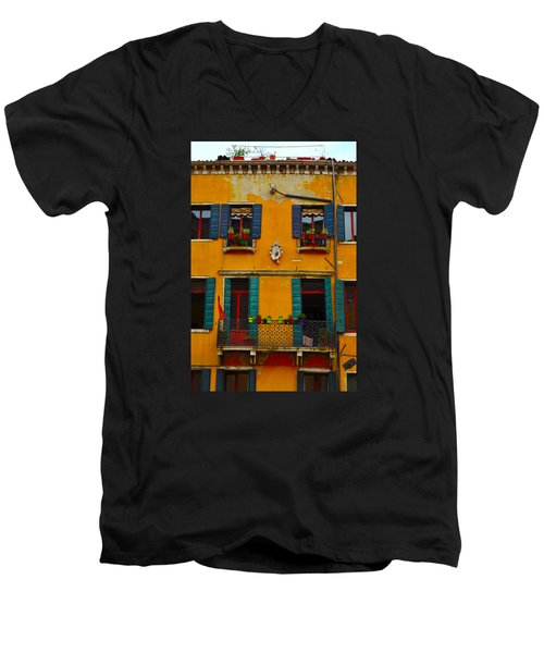 Street Scene Venice Men's V-Neck T-Shirt by Richard Ortolano