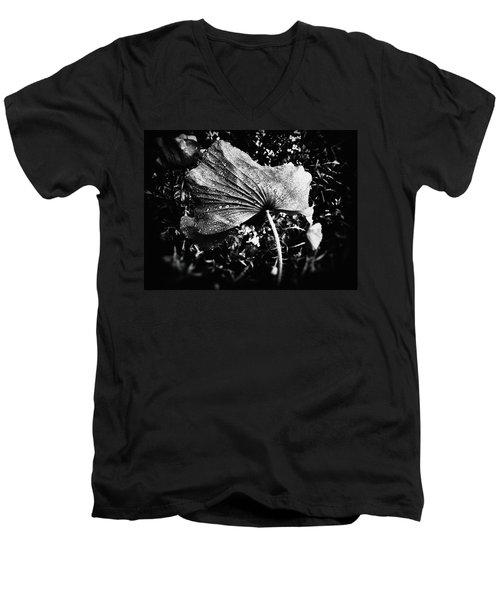 Submissive Men's V-Neck T-Shirt