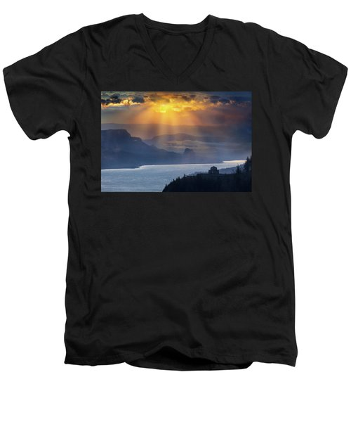 Sun Rays Over Columbia River Gorge During Sunrise Men's V-Neck T-Shirt