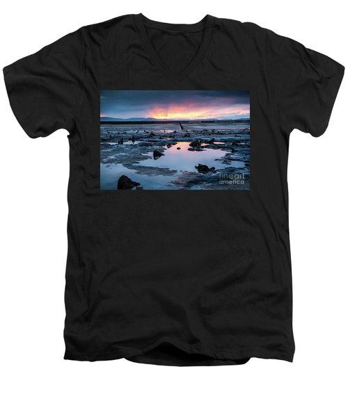 Sunrise Over The Bronze Age Sunken Forest At Borth On The West Wales Coast Uk Men's V-Neck T-Shirt