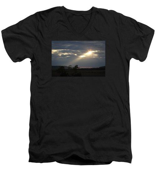 Suns Ray Men's V-Neck T-Shirt