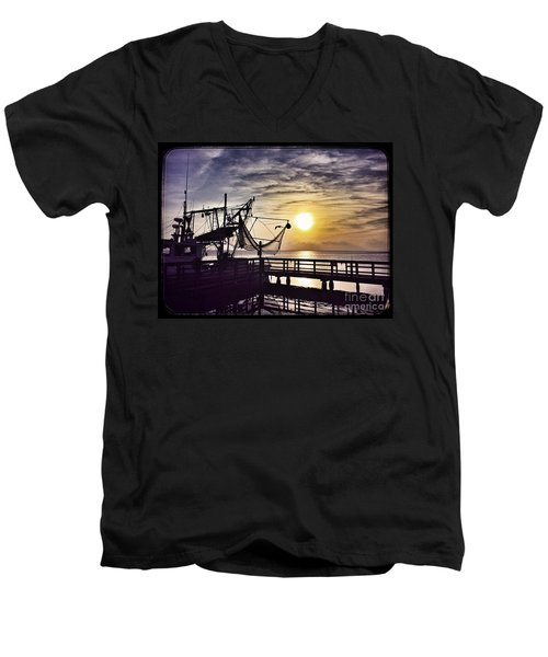 Sunset At Snoopy's Men's V-Neck T-Shirt