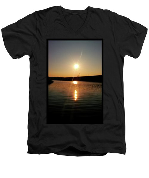 Sunset At Wolf Creek Dam Men's V-Neck T-Shirt