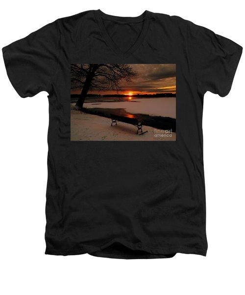 Sunset On Lake Quanapowitt Men's V-Neck T-Shirt