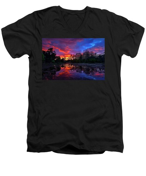 Sunset Over Riverbend Park In Jupiter Florida Men's V-Neck T-Shirt